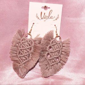 Jewelry - Gray earrings 💕
